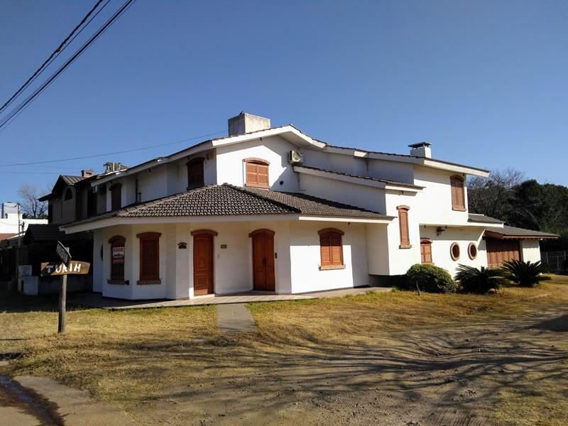 Casa Bº La Represa - Palermo esquina Turín